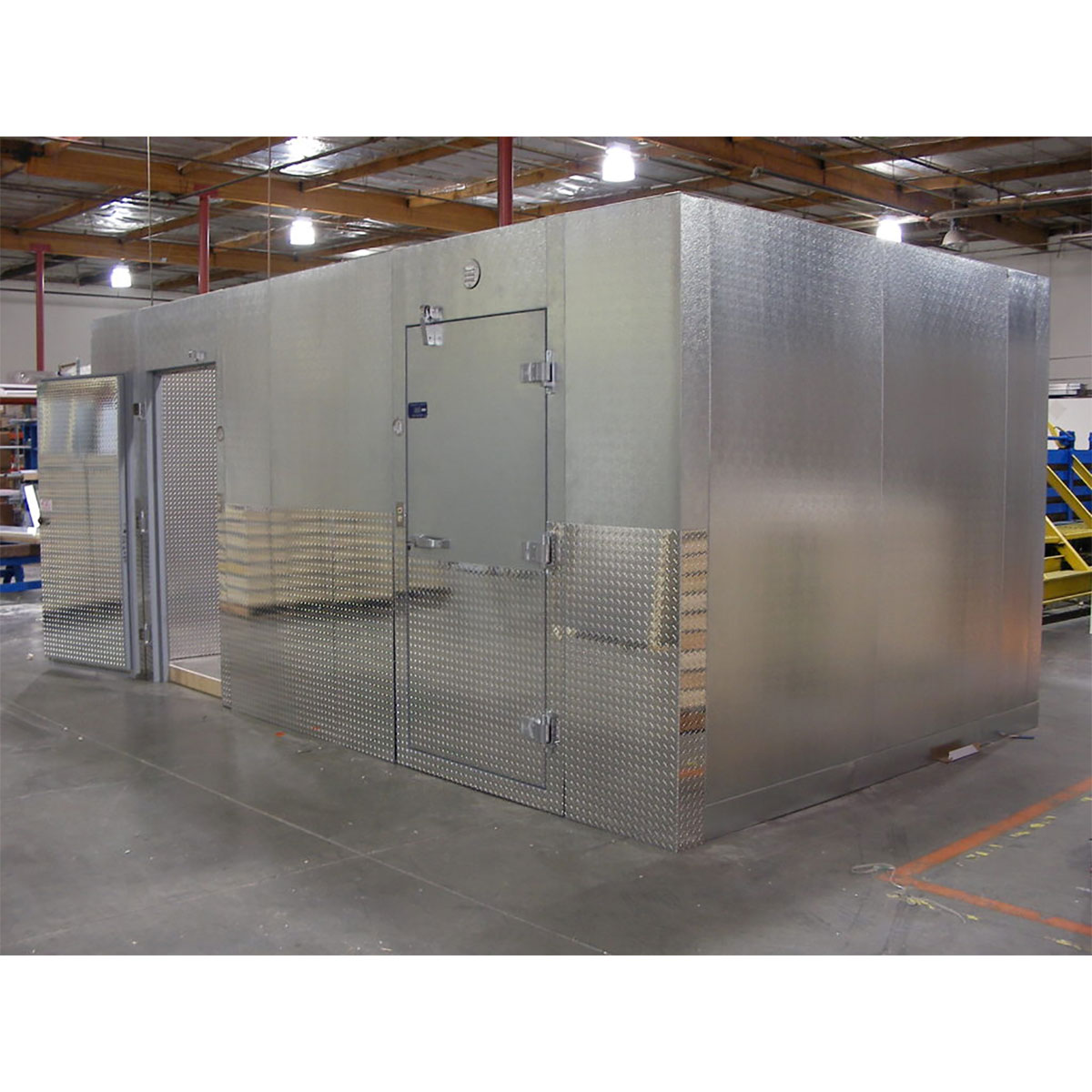 Walk-in Box with two doors and Diamond Plate Commercial Cooling Par Engineering Inc. City of Industry
